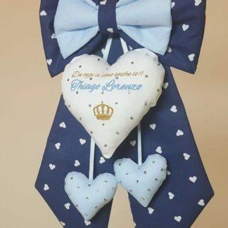 coccarda per la nascita blu cuore ricamato oro azzurro