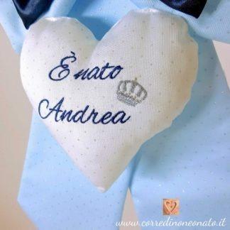 ricamo blu su cuore glitterato della coccarda nascita maschietto Andrea