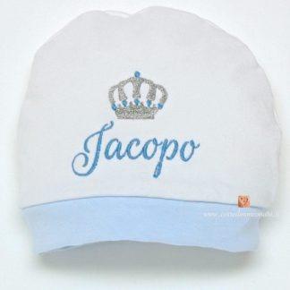 cappellino ricamato per bimbo
