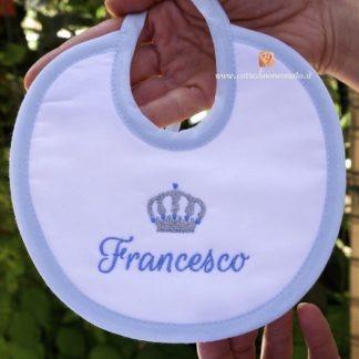 Bavetta azzurra con corona per Francesco