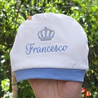 Cappellino bianco e azzurro con corona per Francesco