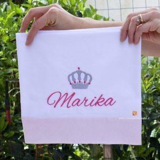 Lenzuolo con balza rosa glitterata e corona per Marika