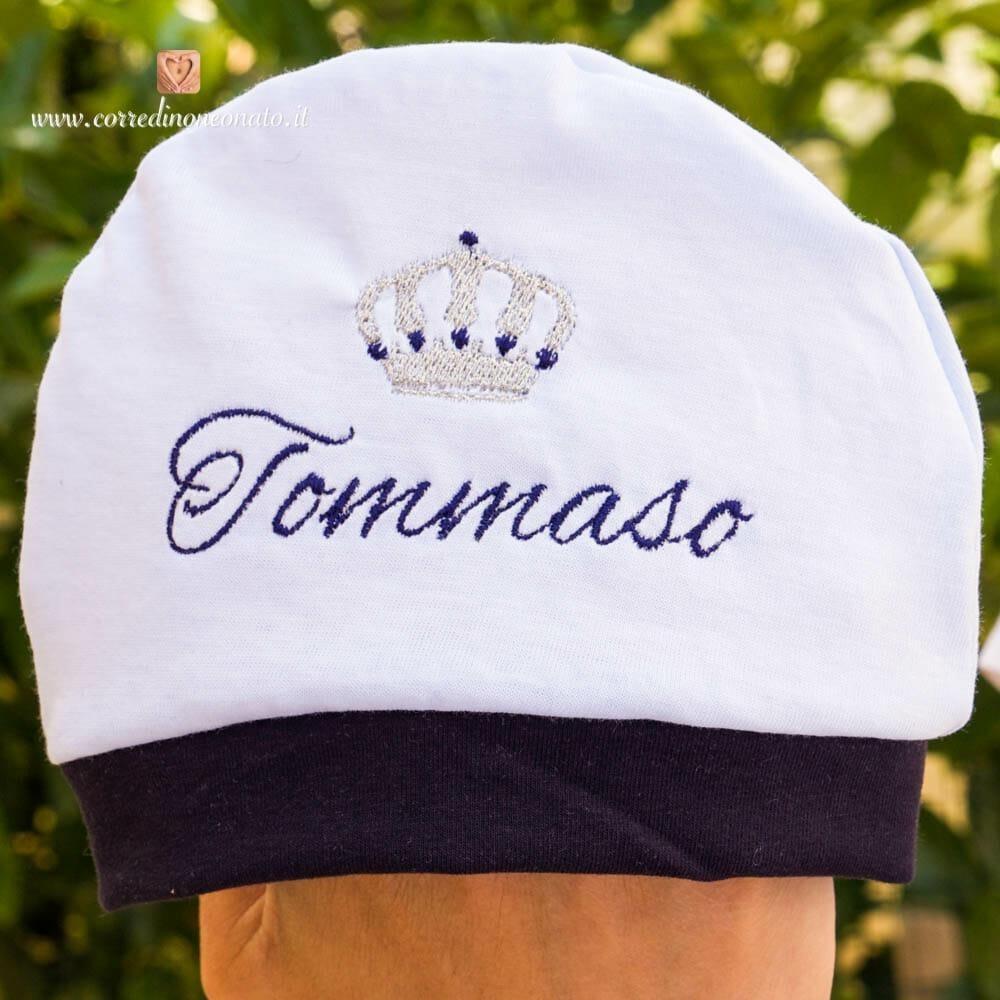 Cappellino bianco e blu con corona per Tommaso  morbido per il tuo bebè c666b35dd61e