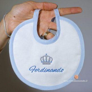 Bavetta bianca e azzurra per Ferdinando con corona