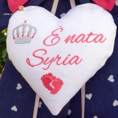 Fiocco nascita bimba blu e fucsia con ricami per Syria
