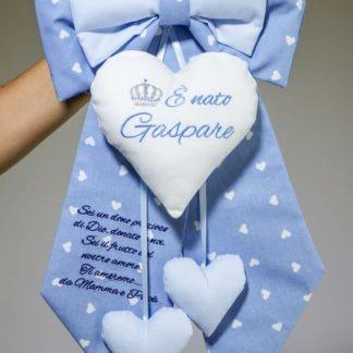 Fiocco azzurro con corona e frase per Gaspare