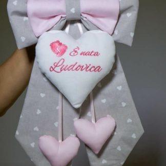 Fiocco nascita grigio e rosa con piedini per Ludovica