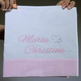 Lenzuolo bianco e rosa con cuori brillanti per Maria Christina