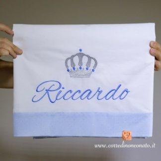Lenzuolo bianco con balzina glitterata e corona per Riccardo