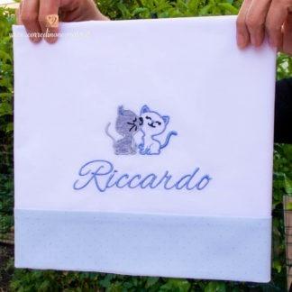 Lenzuolo bianco e azzurro glitterato con gattini per Riccardo