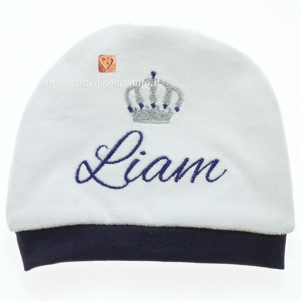 Cappellino in ciniglia per Liam con nome e coroma ricamati 6ae73f6a6779