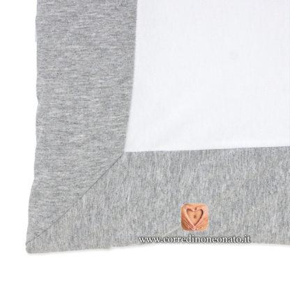 Copertina grigio bianca